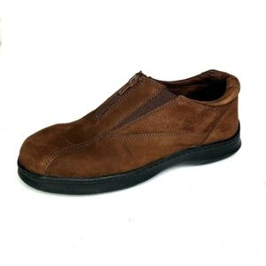 Cobbie Cuddlers Loafers Suede Front Zipper